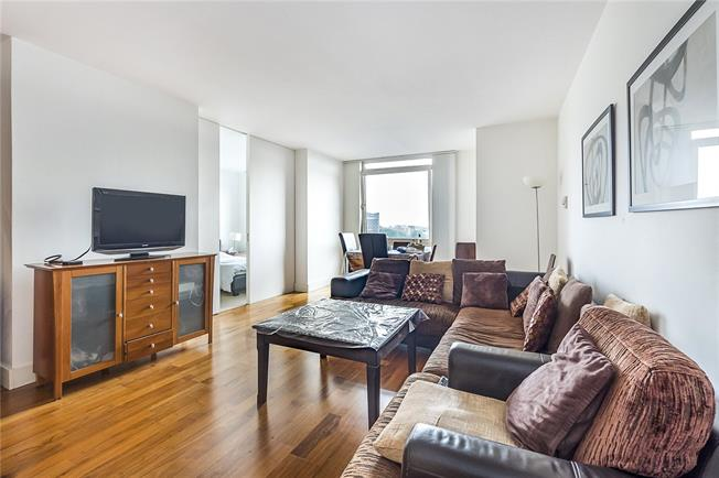 Asking Price £1,000,000, 2 Bedroom Flat For Sale in London, W2