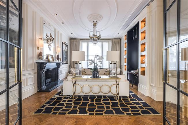 Asking Price £2,650,000, 2 Bedroom Flat For Sale in London, W2