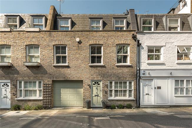 Asking Price £2,500,000, 3 Bedroom Mews House For Sale in London, W2