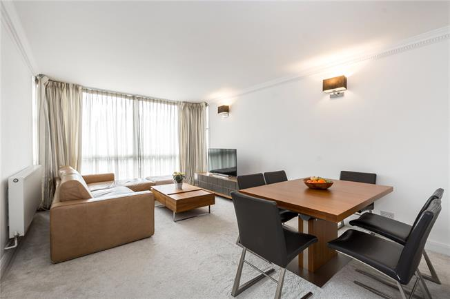 Asking Price £975,000, 2 Bedroom Flat For Sale in London, W2