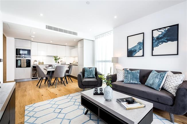 Asking Price £2,130,000, 3 Bedroom Flat For Sale in London, W2