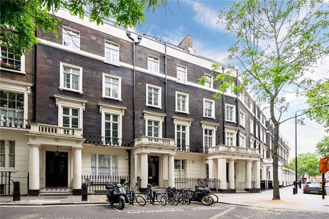 Asking Price £1,150,000, 3 Bedroom Flat For Sale in London, W2