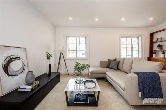 Asking Price £875,000, 3 Bedroom Flat For Sale in London, W2