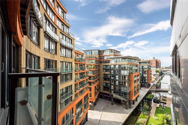 Asking Price £1,495,000, 3 Bedroom Flat For Sale in London, W2