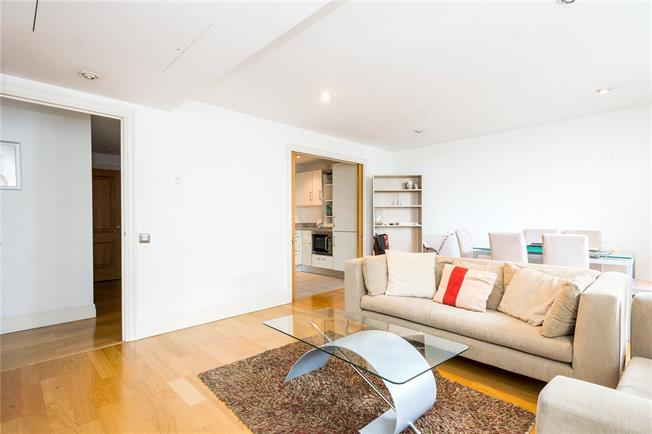 Asking Price £885,000, 2 Bedroom Flat For Sale in London, W2