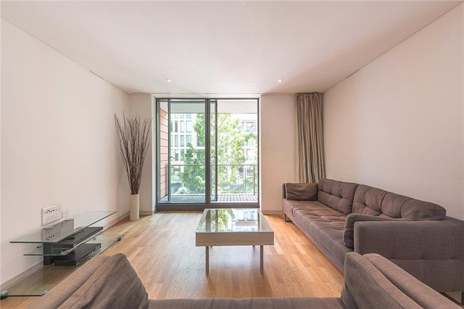 Asking Price £675,000, 1 Bedroom Flat For Sale in London, W2