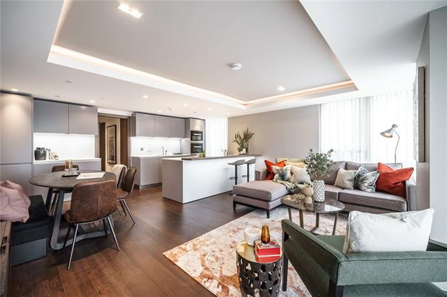 Asking Price £2,260,000, 3 Bedroom Flat For Sale in London, W2