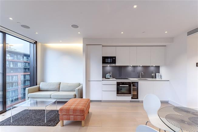 Asking Price £940,000, 1 Bedroom Flat For Sale in London, W2