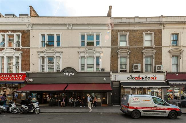 Asking Price £435,000, 2 Bedroom Flat For Sale in London, W2