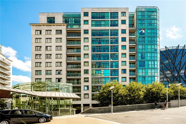 Asking Price £1,400,000, 3 Bedroom Flat For Sale in London, W2