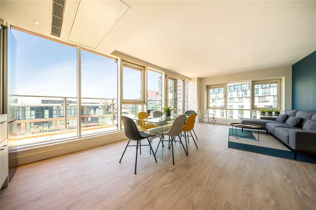 Asking Price £1,275,000, 2 Bedroom Flat For Sale in London, W2