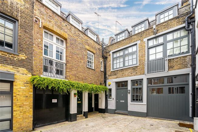 Asking Price £5,750,000, 4 Bedroom Mews House For Sale in London, W1W