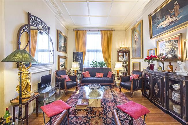 Asking Price £2,250,000, 4 Bedroom Flat For Sale in London, W2