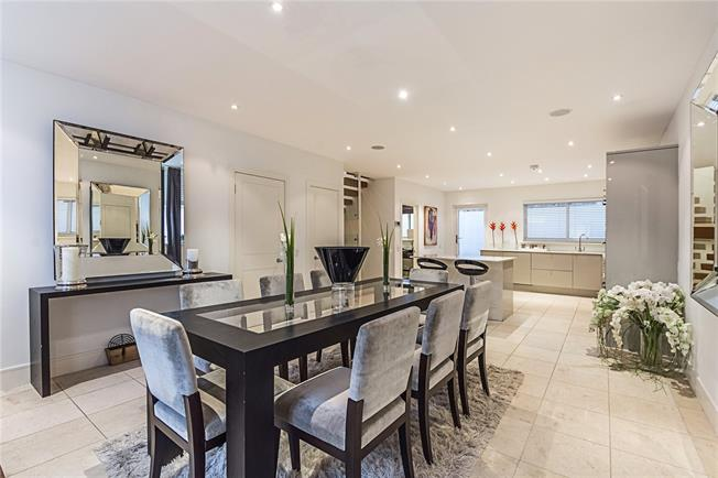 Asking Price £3,650,000, 3 Bedroom Mews House For Sale in London, W2