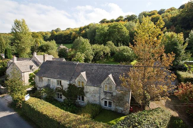 Asking Price £680,000, 3 Bedroom Detached House For Sale in Stroud, Gloucestershire, GL6