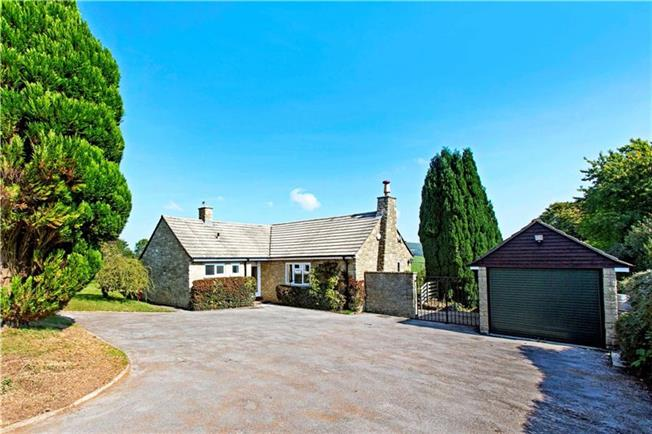 Asking Price £585,000, 3 Bedroom Bungalow For Sale in Stroud, Gloucestershire, GL6