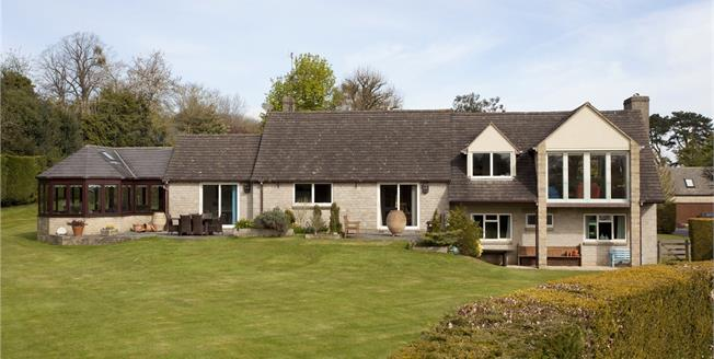 Asking Price £855,000, 5 Bedroom Detached House For Sale in Edge, GL6