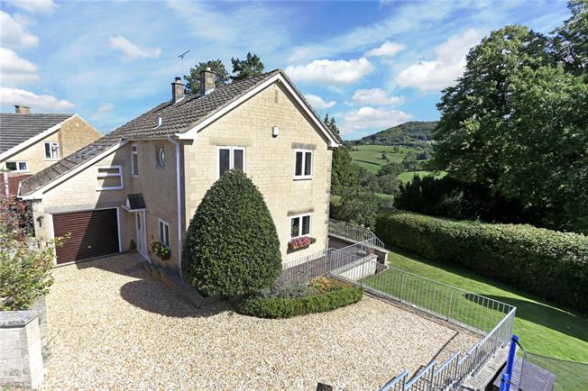 Guide Price £600,000, 4 Bedroom Detached House For Sale in Painswick, GL6