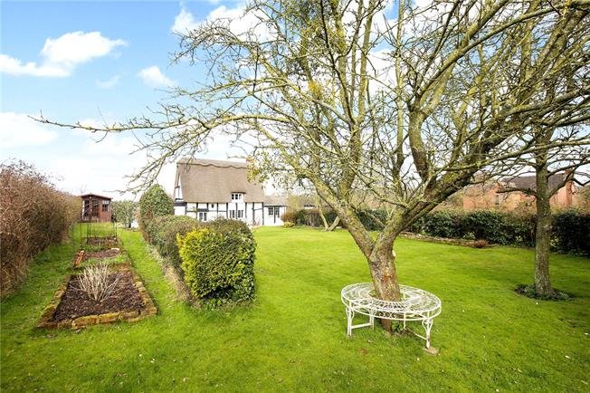 Asking Price £425,000, 3 Bedroom Detached House For Sale in Gloucester, Gloucestershi, GL4