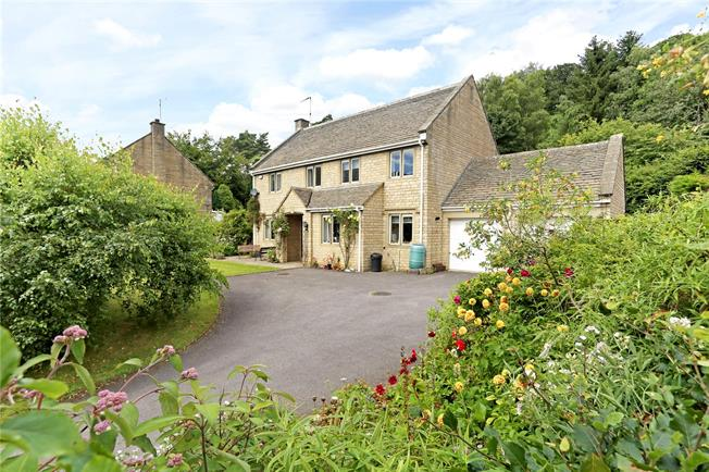 Asking Price £750,000, 4 Bedroom Detached House For Sale in Sheepscombe, GL6