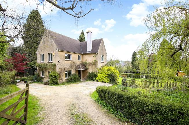 Asking Price £600,000, 4 Bedroom Detached House For Sale in Stroud, Gloucestershire, GL6