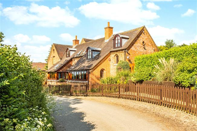 Offers in the region of £625,000, 4 Bedroom House For Sale in Upton St. Leonards, GL4