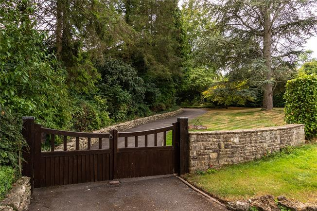 Asking Price £1,150,000, 5 Bedroom Detached House For Sale in Stroud, Gloucestershire, GL6