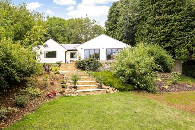 Asking Price £635,000, 3 Bedroom Bungalow For Sale in Painswick, GL6