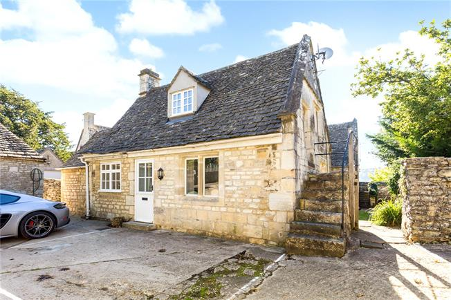 Asking Price £235,000, 1 Bedroom Semi Detached House For Sale in Stroud, Gloucestershire, GL6