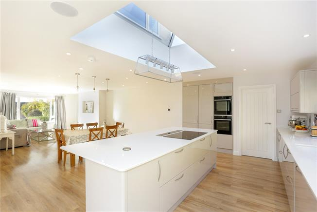 Offers in the region of £875,000, 4 Bedroom Detached House For Sale in Painswick, GL6
