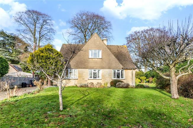 Asking Price £525,000, 3 Bedroom Detached House For Sale in Painswick, GL6