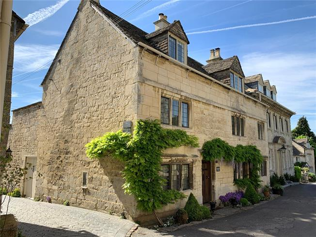 Asking Price £700,000, 3 Bedroom Semi Detached House For Sale in Painswick, GL6