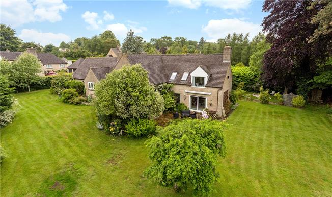 Guide Price £750,000, 4 Bedroom Detached House For Sale in Gloucestershire, GL6