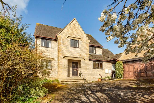 Asking Price £600,000, 4 Bedroom Detached House For Sale in Painswick, GL6