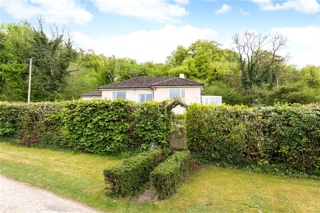 Offers in the region of £460,000, 4 Bedroom Bungalow For Sale in Sheepscombe, GL6