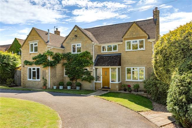 Asking Price £800,000, 4 Bedroom Detached House For Sale in Painswick, GL6