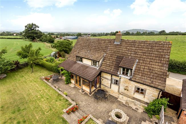 Asking Price £600,000, 3 Bedroom Detached House For Sale in Harescombe, GL4
