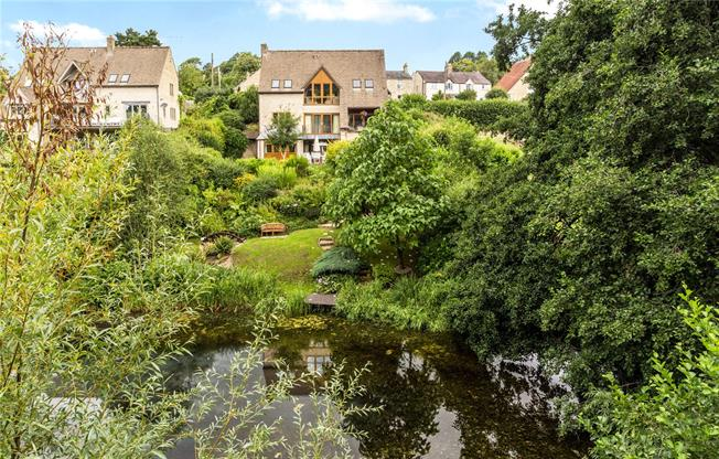 Asking Price £885,000, 4 Bedroom Detached House For Sale in Painswick, GL6