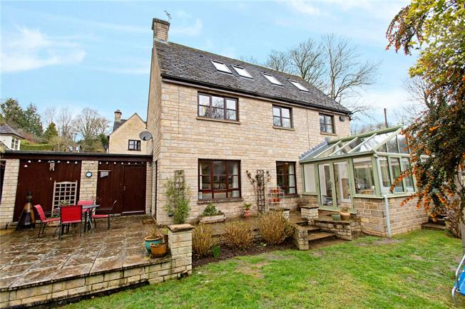 Asking Price £545,000, 6 Bedroom Detached House For Sale in Painswick, GL6