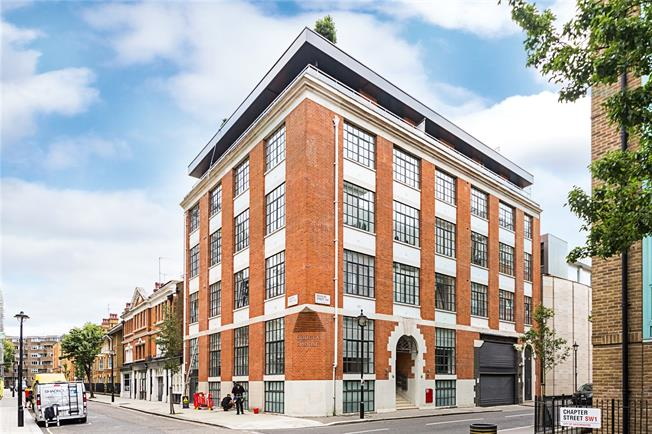 Asking Price £1,299,950, 2 Bedroom Maisonette For Sale in London, SW1P
