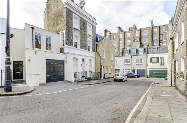 Asking Price £1,895,000, 3 Bedroom Terraced House For Sale in London, SW1V