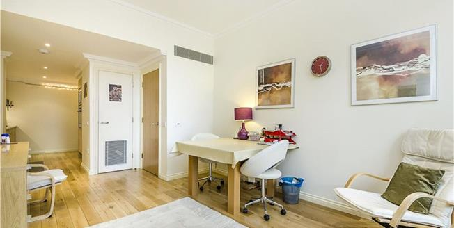 Asking Price £799,950, 1 Bedroom Flat For Sale in London, SW1P