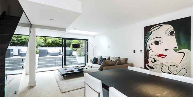 Asking Price £2,575,000, 3 Bedroom Terraced House For Sale in London, SW1V