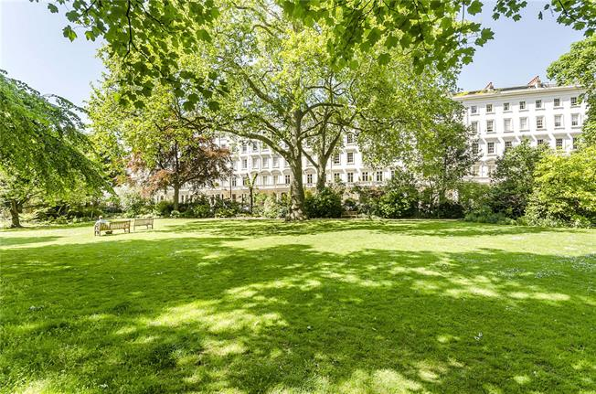 Asking Price £1,765,000, 2 Bedroom Flat For Sale in London, SW1V