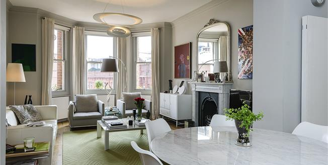 Asking Price £1,595,000, 3 Bedroom Flat For Sale in London, SW1P