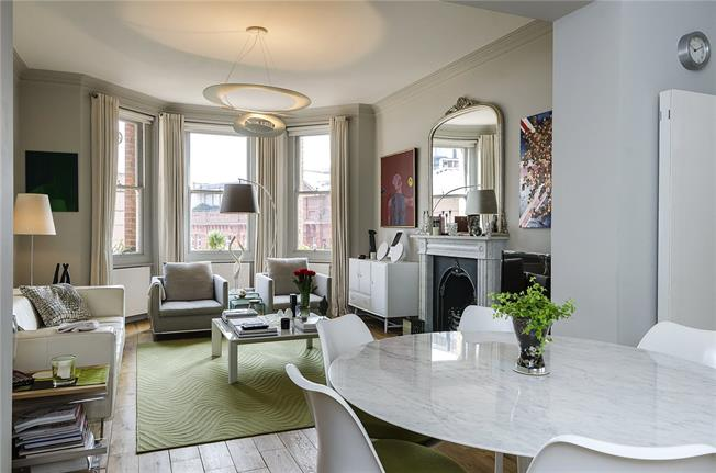 Asking Price £1,650,000, 3 Bedroom Flat For Sale in London, SW1P