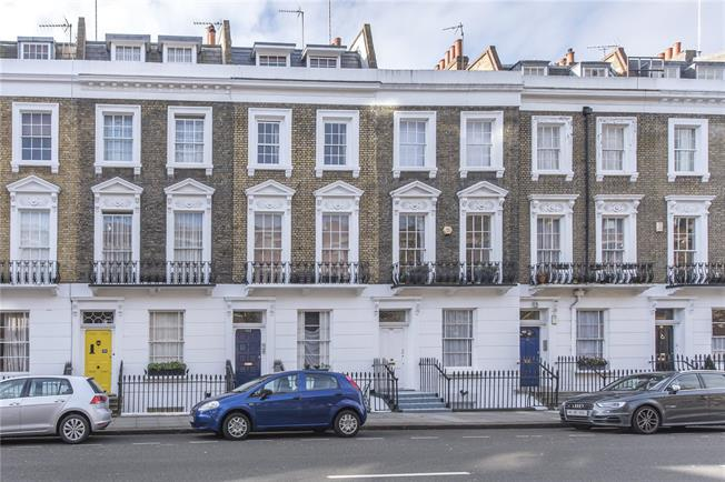 Asking Price £975,000, 2 Bedroom Flat For Sale in London, SW1V