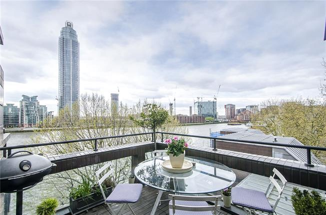 Asking Price £1,650,000, 3 Bedroom Flat For Sale in London, SW1V
