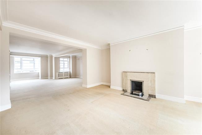 Asking Price £2,000,000, 3 Bedroom Flat For Sale in London, SW1P