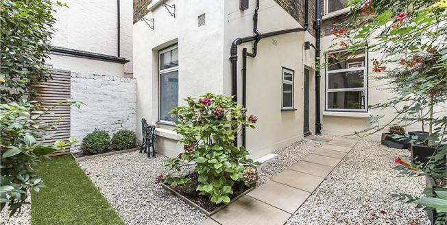 Asking Price £1,395,000, 2 Bedroom Flat For Sale in London, SW1V